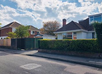 3 bed detached bungalow to rent in Pangbourne Close, Southampton SO19