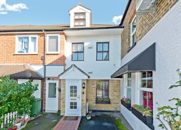 Thumbnail 2 bedroom property for sale in Summer Road, Thames Ditton