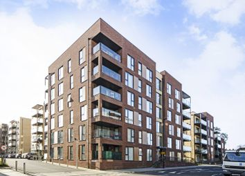 Thumbnail 1 bed flat to rent in Grove Park, Barnet, London