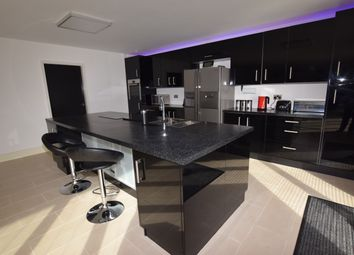 5 bed detached house for sale in Station Road, Dunscroft, Doncaster DN7