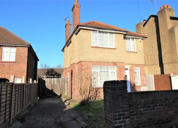 4 bed detached house to rent in Montague Road, Uxbridge UB8