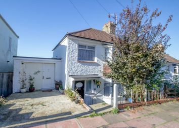 3 bed property for sale in Carlyle Avenue, Brighton BN2