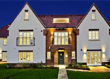 Thumbnail 2 bed flat for sale in Gerrards Cross, Buckinghamshire