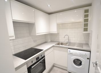 Thumbnail 1 bed flat to rent in Grove Avenue, Wilmslow