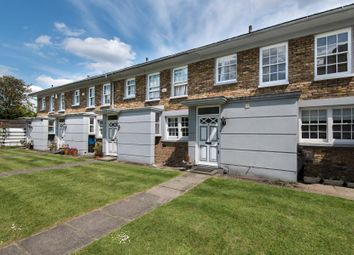 Thumbnail Property to rent in Warwick Drive, London