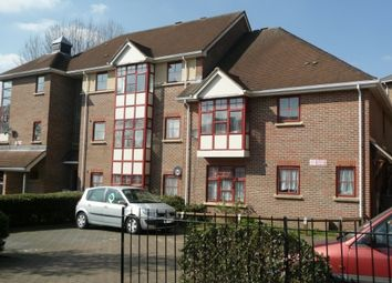 Thumbnail 2 bed flat to rent in Union Road, Wembley