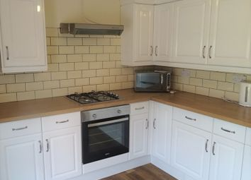 Thumbnail 3 bedroom flat to rent in Penarth Road, City Center, Cardiff