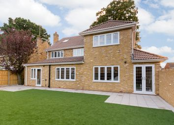 Thumbnail 6 bedroom detached house for sale in Hatch Lane, Windsor