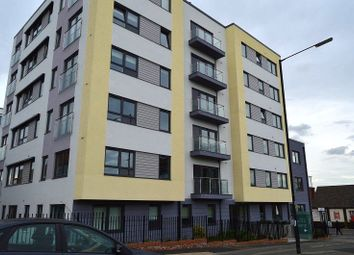 Thumbnail 1 bed flat to rent in West Central, Stoke Road, Slough, Berkshire.