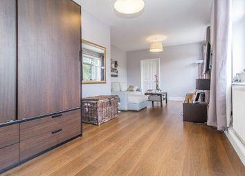 Thumbnail Studio to rent in Guys Retreat, North End, Buckhurst Hill