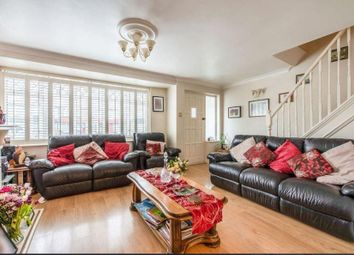 Thumbnail 4 bed property to rent in Hyde Way, London