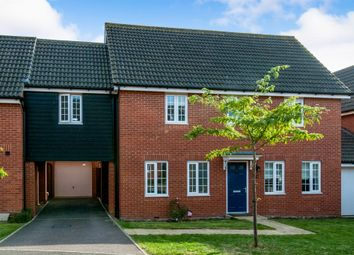 Thumbnail 5 bed link-detached house for sale in Curlew Close, Stowmarket