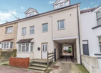 Thumbnail 3 bed flat to rent in Kingswood Road, Gillingham