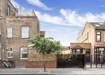 Thumbnail Studio to rent in Cann Hall Road, London