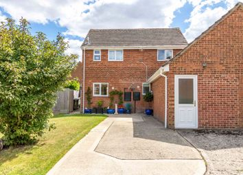 Thumbnail 3 bed detached house for sale in Elizabeth Drive, Wantage