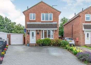 3 bed detached house for sale in Fernlea Close, Selby YO8