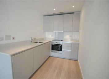 Thumbnail 1 bed flat to rent in Pinnacle Apartment, Croydon
