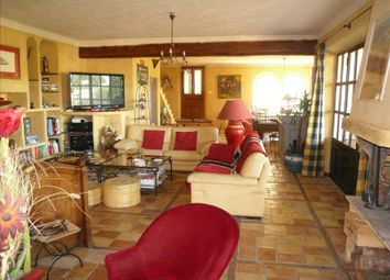 Thumbnail 6 bed property for sale in Mallemort, Bouches Du Rhone, France