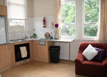 Thumbnail Studio to rent in Norwood Terrace, Hyde Park, Leeds