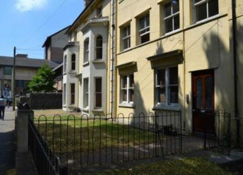 2 bed flat to rent in The Parade, Cardiff CF24