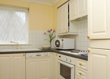 Thumbnail 1 bedroom flat for sale in Peninsula Court, Canary Wharf