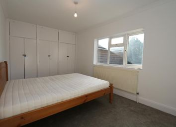Thumbnail 1 bed flat to rent in High Street, Thames Ditton