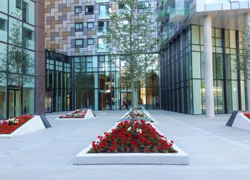Thumbnail 2 bed flat for sale in Duckman Tower, Lincoln Plaza, Canary Wharf, London