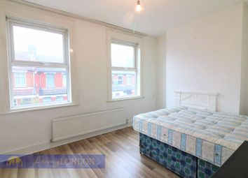 Thumbnail 4 bed terraced house to rent in Oulton Road, London
