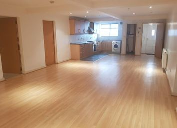 2 bed flat to rent in Croft Street, Dewsbury WF13