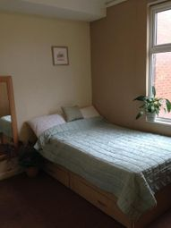 Thumbnail 3 bed flat to rent in Belle Vue Road, Hyde Park, Leeds