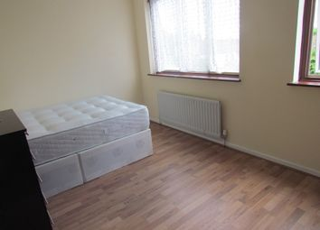 Thumbnail Room to rent in Inglewood Close, Ilford