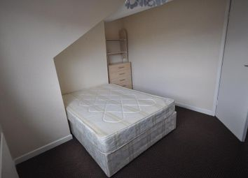 3 bed shared accommodation to rent in Brudenell Grove, Hyde Park, Leeds LS6