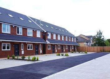 Thumbnail 4 bed property to rent in Reet Gardens, Slough