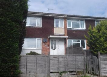 Thumbnail 4 bed shared accommodation to rent in Swift Road, Farnham