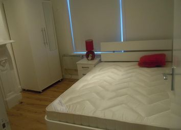 Thumbnail Studio to rent in Clapham Junction, London