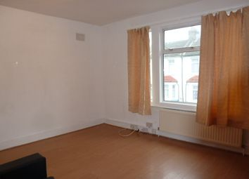 Thumbnail 1 bed flat to rent in Dysons Road, London