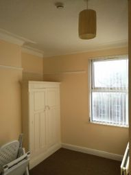 Thumbnail Room to rent in Bayswater Crescent, Leeds