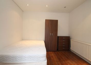 Thumbnail Room to rent in Woodlands Road, Romford