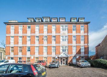 1 bed flat to rent in High Street, Cheshunt, Waltham Cross EN8