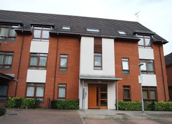 Thumbnail 2 bed flat to rent in Pellow Close, Barnet