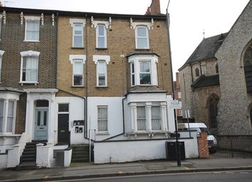 Thumbnail 3 bedroom flat to rent in Cricketfield Road, London