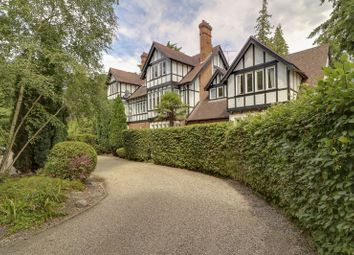 Thumbnail 1 bed flat for sale in Heathfield Avenue, Sunninghill, Ascot