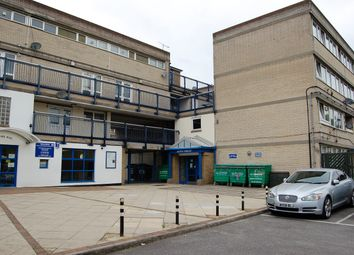 Ray Lodge Road, Woodford Green IG8. 1 bed flat