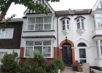Thumbnail 2 bedroom flat for sale in Leigh Hall Road, Leigh-On-Sea