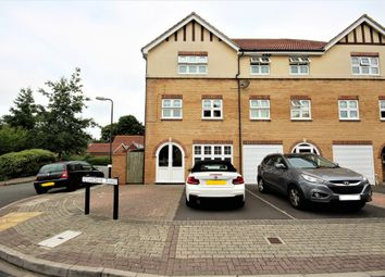 Thumbnail 3 bed town house for sale in Oakdene Road, Southsea