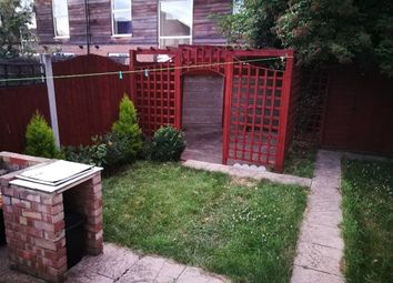 Thumbnail 1 bed flat to rent in Highland Avenue, Dagenham