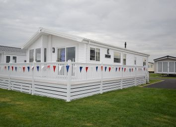 Thumbnail 2 bedroom mobile/park home for sale in Alberta Holiday Park, Seasalter, Whitstable, Kent.