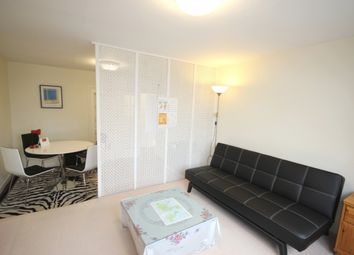Thumbnail 2 bed flat to rent in Parkside, Hamilton Road, Ealing, London