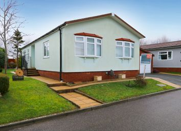 Thumbnail 2 bed mobile/park home for sale in Newlands Drive, Bovey Tracey, Newton Abbot