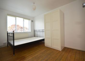 3 bed flat to rent in Seagrave Close, Wellesley Street, London E1